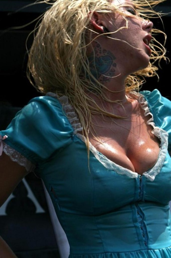 Maria Brink Net Worth, Family, Husband, Career, Pics and Wallpapers 9