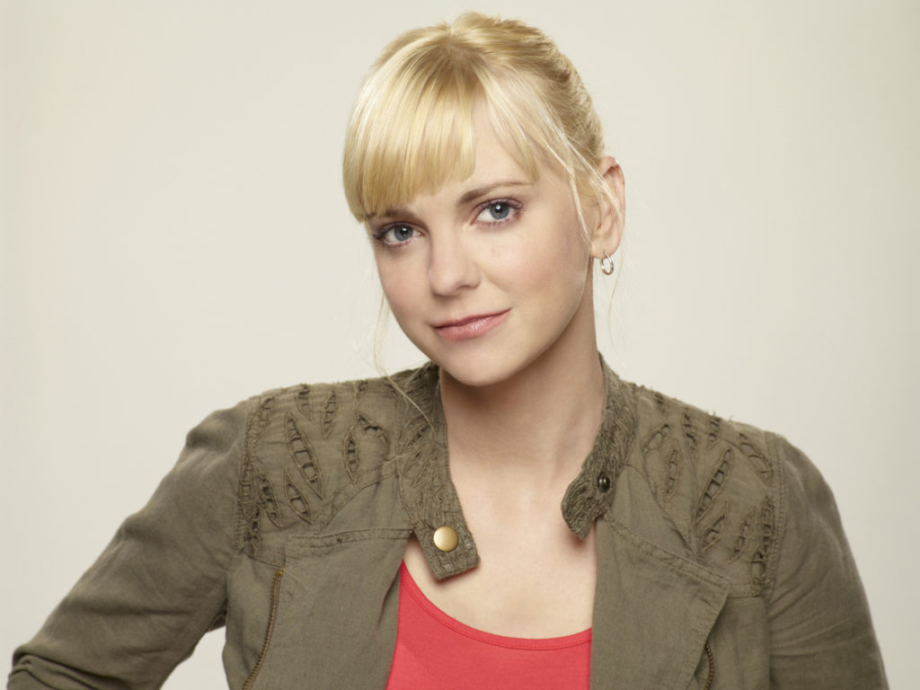 Anna Faris Pics, Net Worth, Career, TV Shows And Movies 11