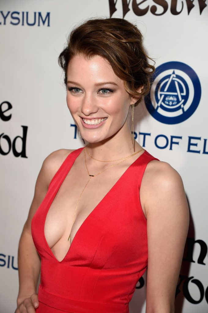 Ashley Hinshaw Pics, Net Worth, Movies, Private Life And TV Shows 2