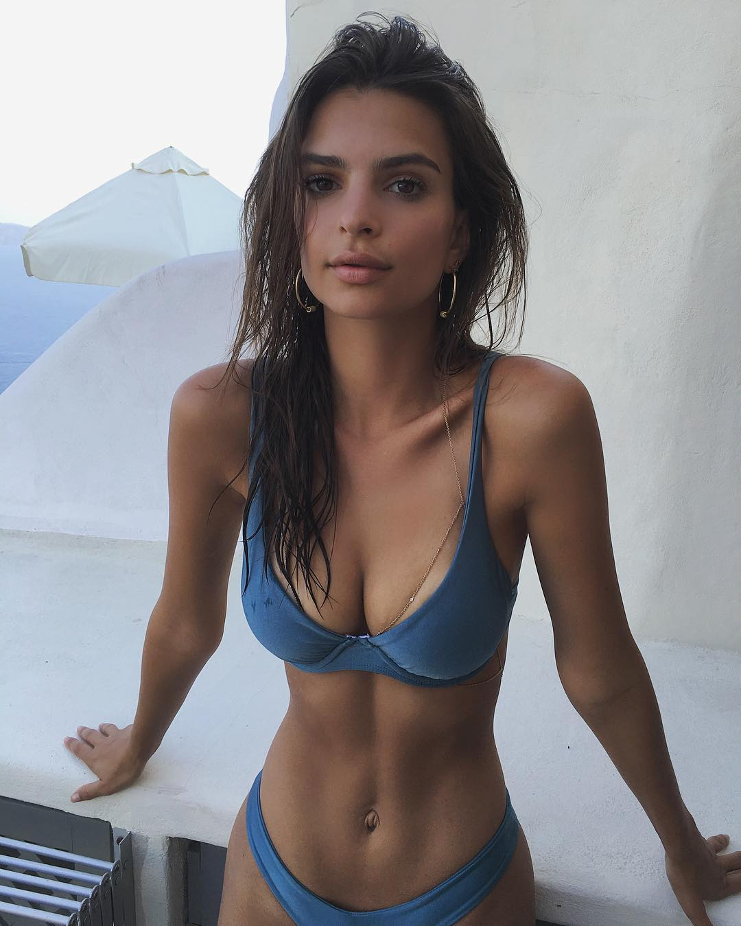 Emily Ratajkowski's Net Worth, Husband, TV Shows, Movies And Career 15