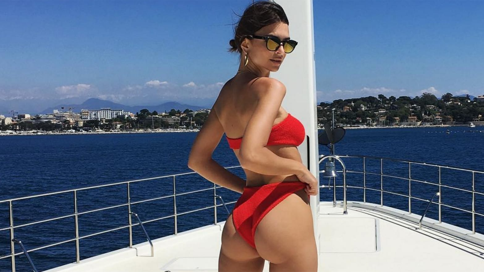 Emily Ratajkowski's Net Worth, Husband, TV Shows, Movies And Career 12
