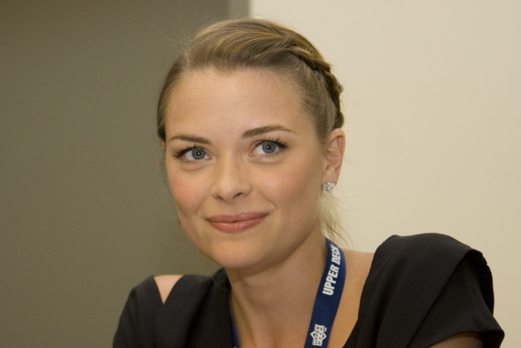 Jaime King Pics, Net Worth, Private Life, TV Series And Movies 12