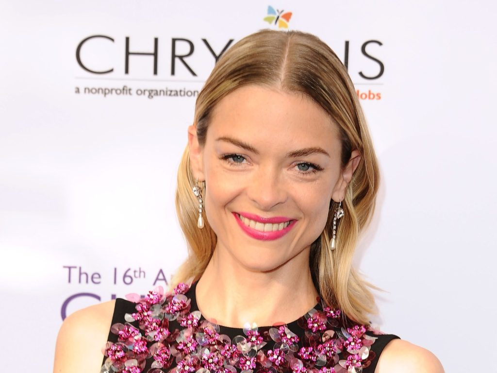 Jaime King Pics, Net Worth, Private Life, TV Series And Movies 5