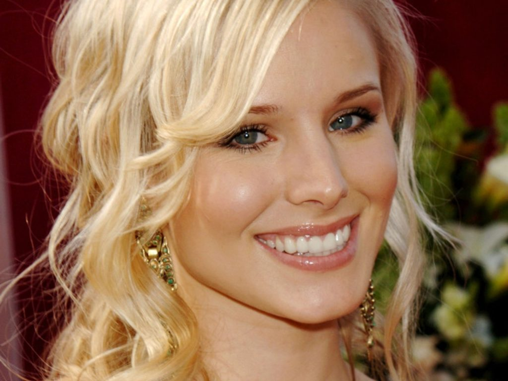 Kristen Bell Pics, Net Worth, TV Shows, Movies And Career 3