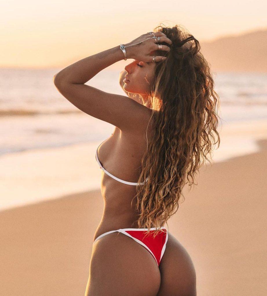 Sommer Ray Pics, Net Worth, Private Life And Career 9