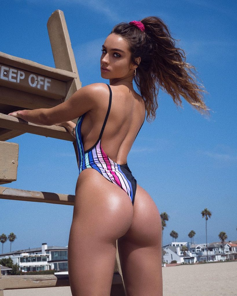 Sommer Ray Pics, Net Worth, Private Life And Career 13