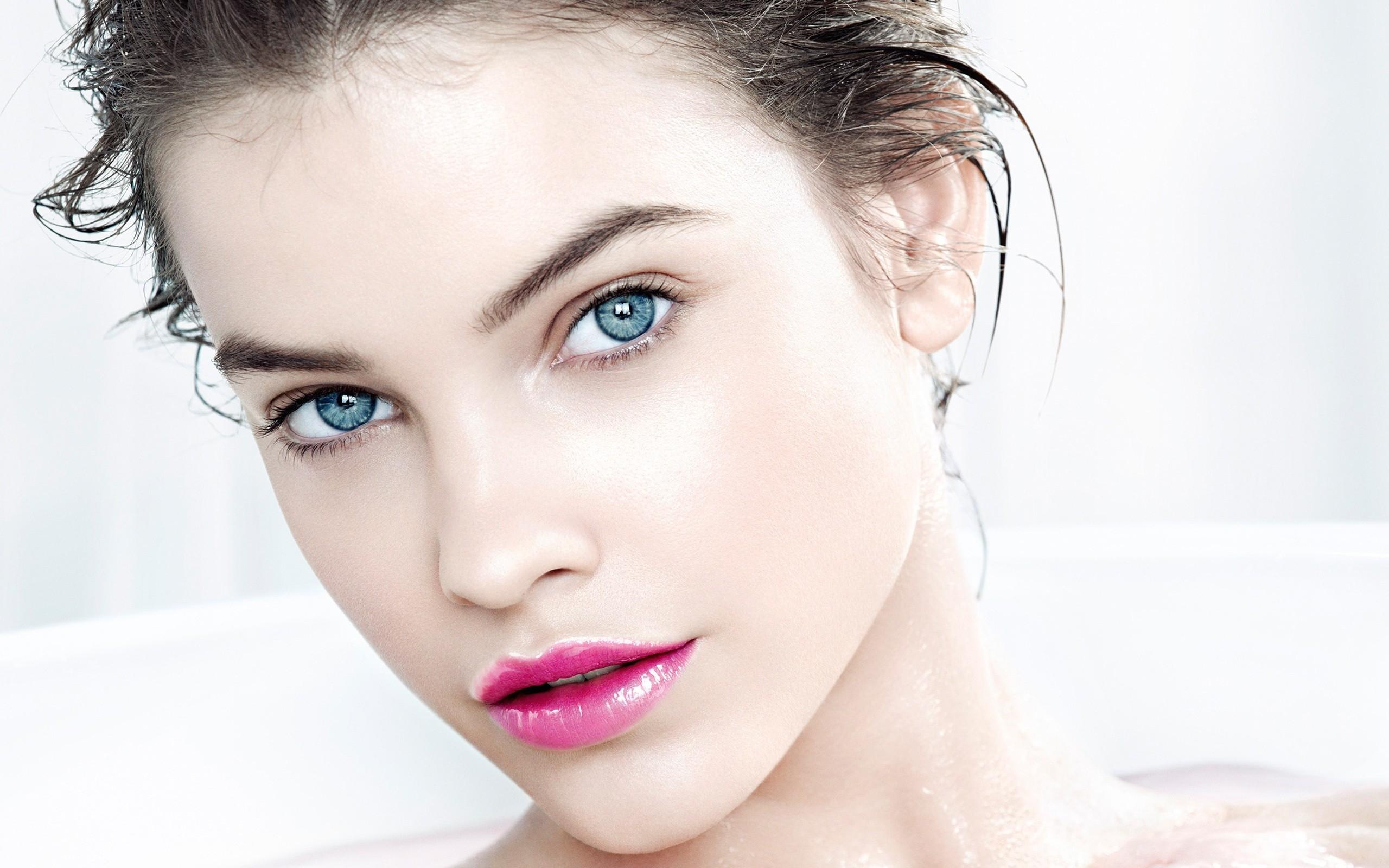 Barbara Palvin's Net Worth, Biography, Pics and Wallpapers 16