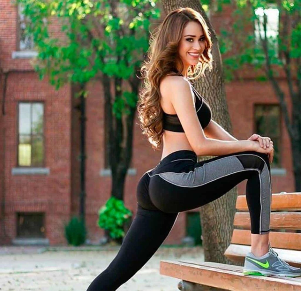 Yanet Garcia Pics, Net Worth, Career And Private Life 4