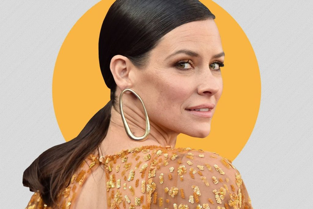 Evangeline Lilly Pics, Net Worth, Movie And TV Roles, Private Life 16