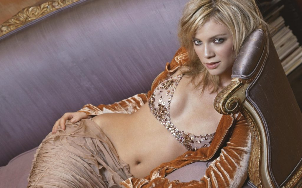 Amy Smart Net Worth, Movies, TV Shows, Biography And Pics 5