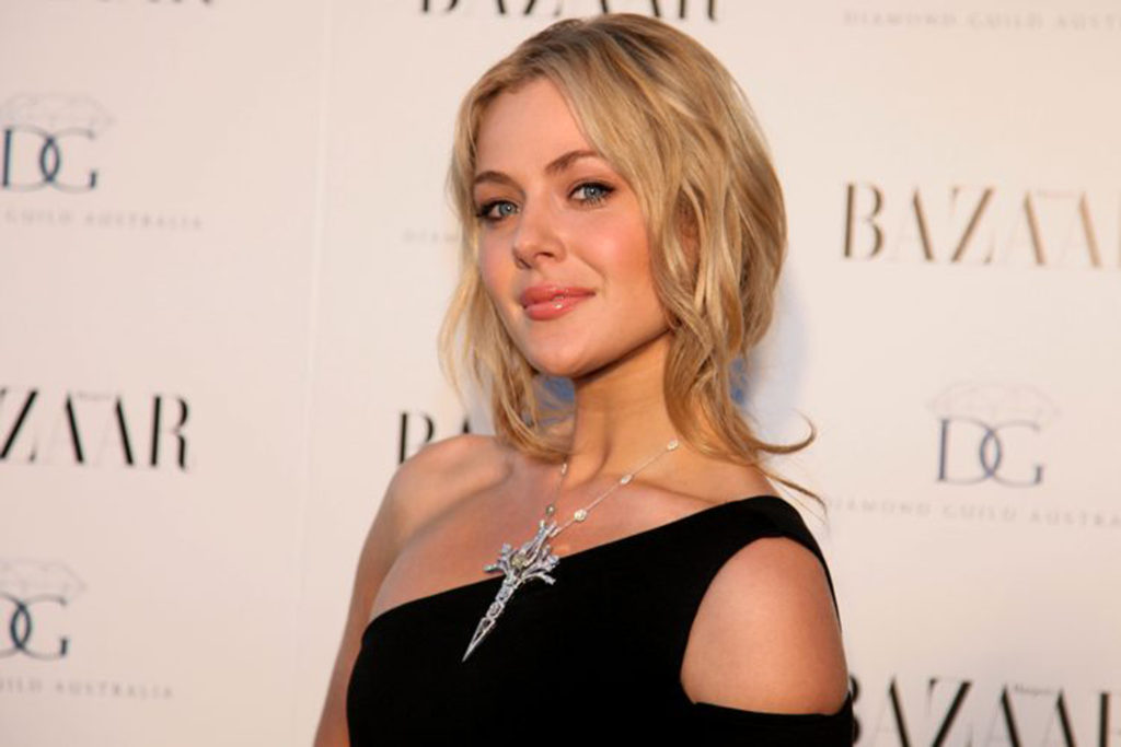 Jessica Marais Net Worth, Movies, TV Shows, Pics And Biography 9