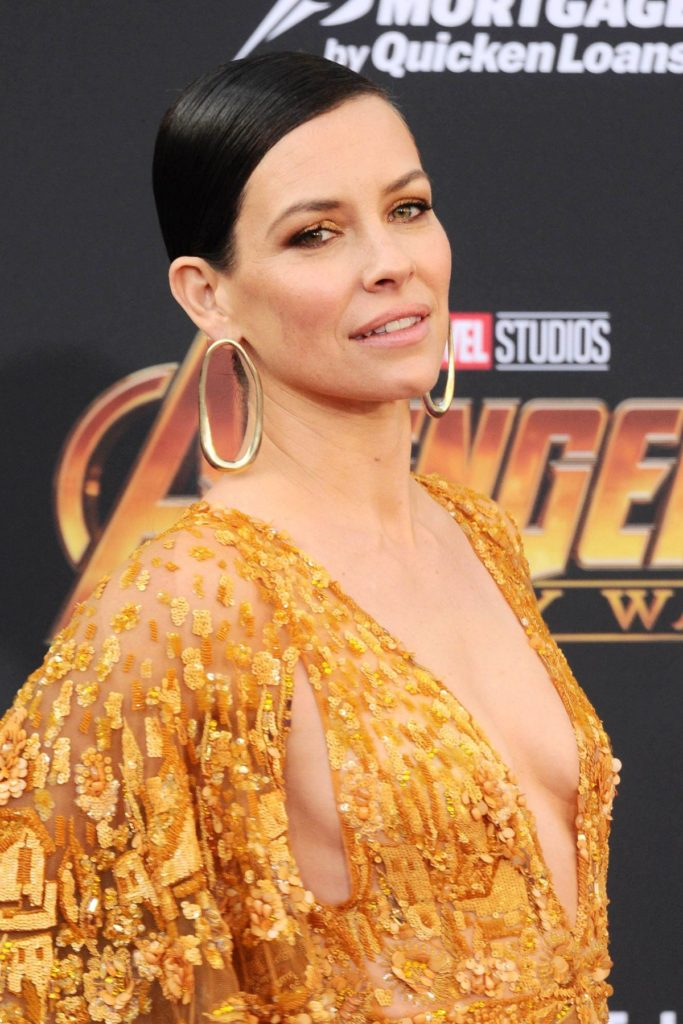Evangeline Lilly Pics, Net Worth, Movie And TV Roles, Private Life 7