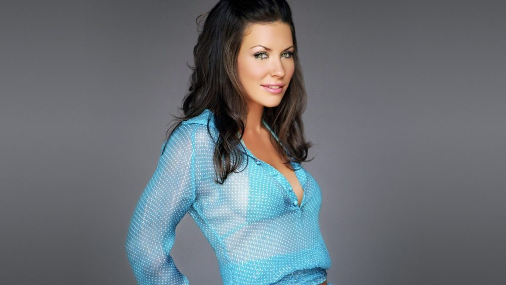 Evangeline Lilly Pics, Net Worth, Movie And TV Roles, Private Life 11