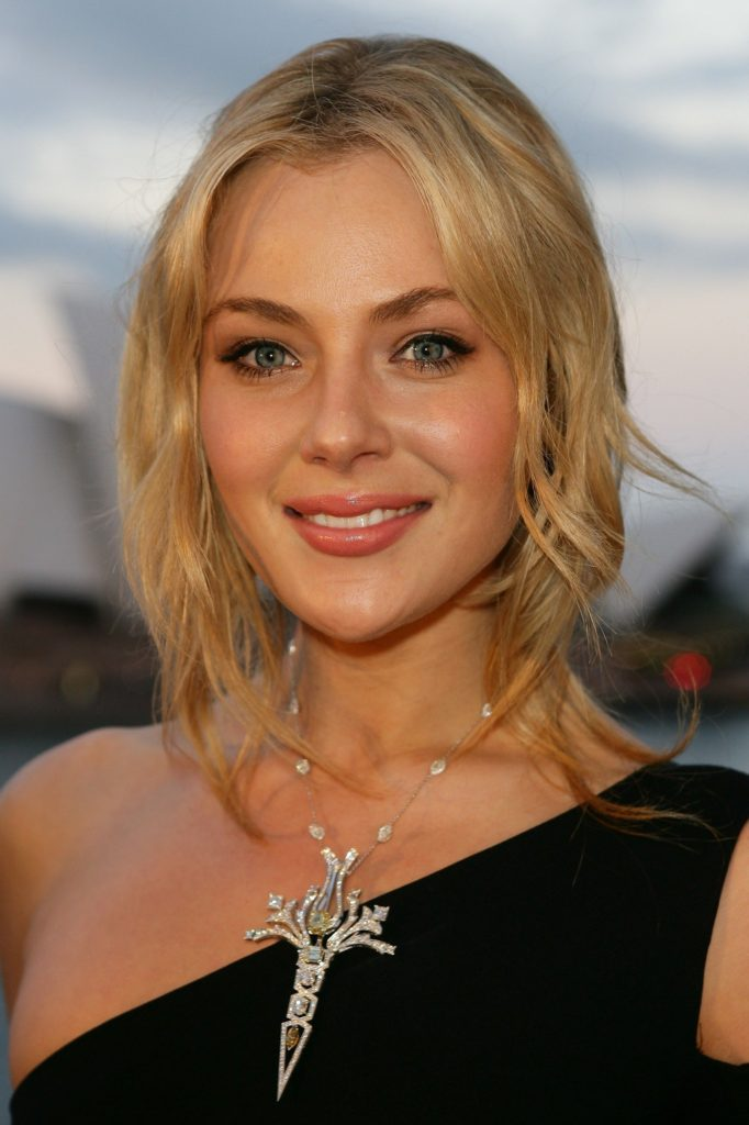 Jessica Marais Net Worth, Movies, TV Shows, Pics And Biography 3