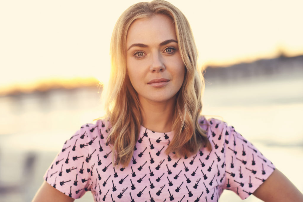 Jessica Marais Net Worth, Movies, TV Shows, Pics And Biography 12