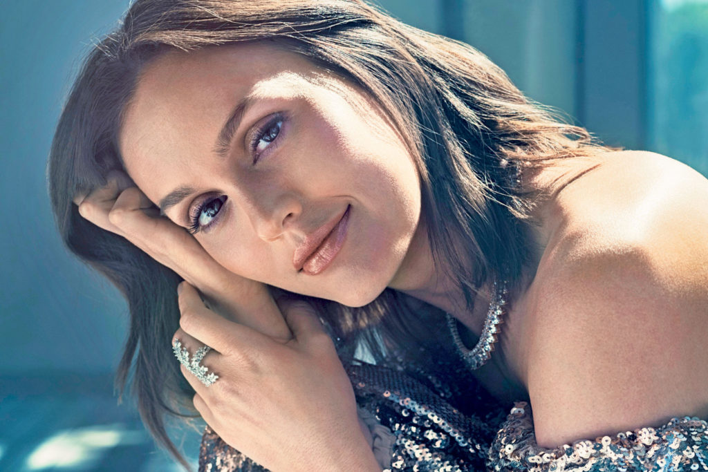 Leighton Meester Pics, Net Worth, TV Shows, Movies And Biography 3