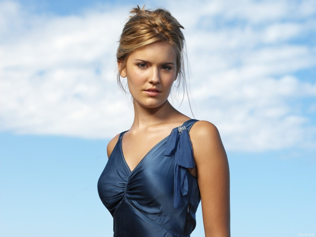 Maggie Grace Net Worth, Pics, TV Shows, Movies And Biography 17