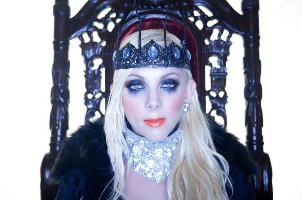 Maria Brink Net Worth, Family, Husband, Career, Pics and Wallpapers 10