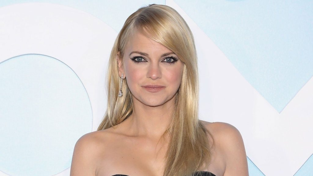 Anna Faris Pics, Net Worth, Career, TV Shows And Movies 14