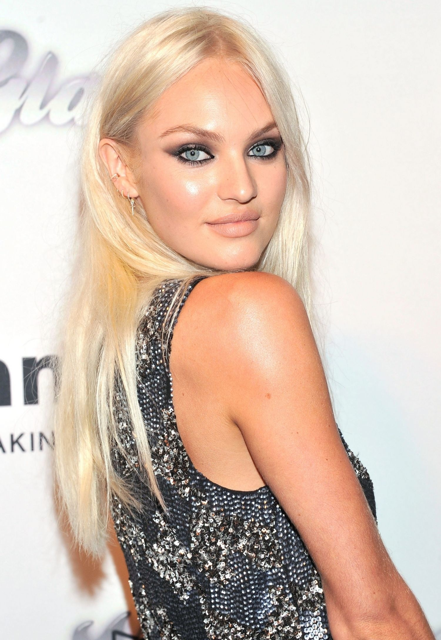 Candice Swanepoel Net Worth, Family, Husband And Biography 2