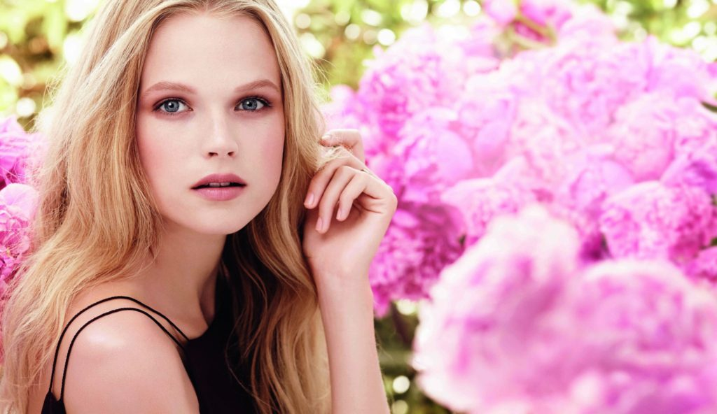 Gabriella Wilde Pics, Net Worth, Career And Private Life 11