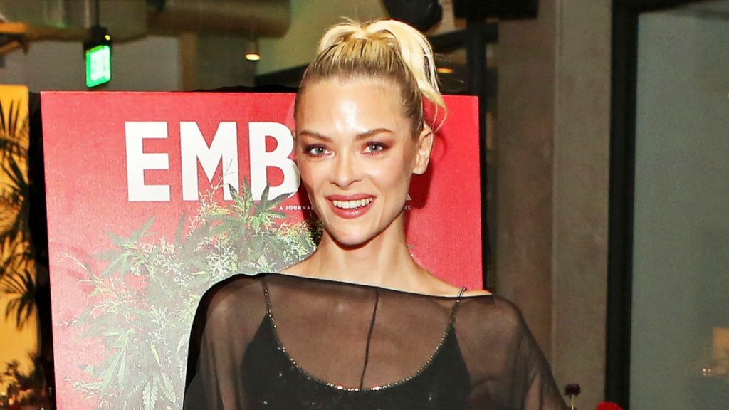 Jaime King Pics, Net Worth, Private Life, TV Series And Movies 9