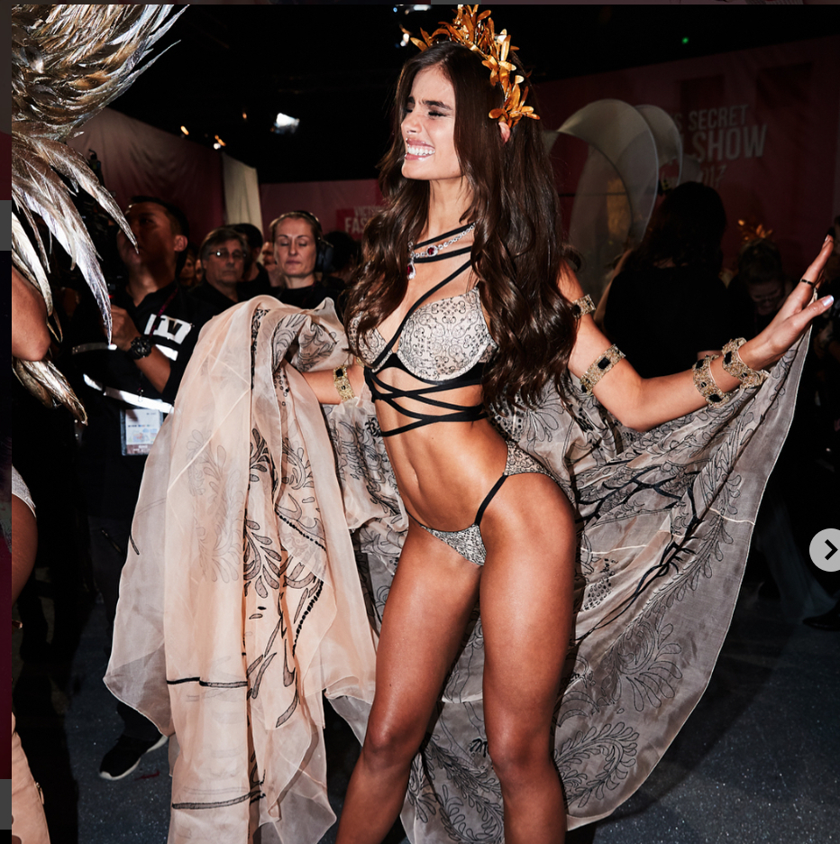 Taylor Hill Net Worth, Private Life, Career And Biography 14