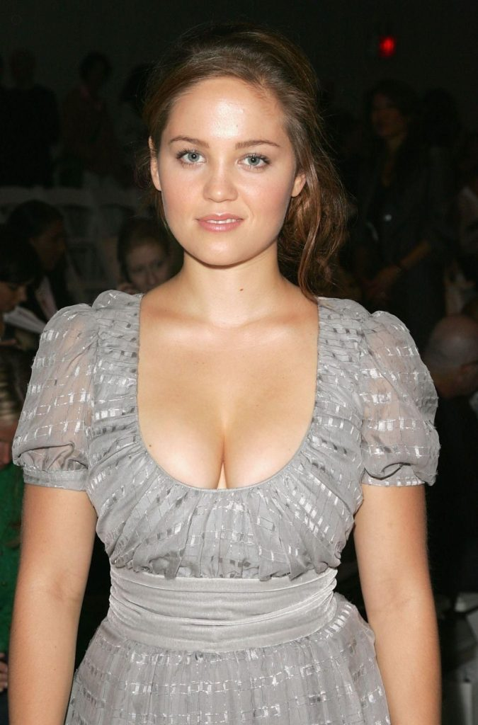 Erika Christensen Pics, Net Worth, TV Shows, Movies, Family And Biography 17