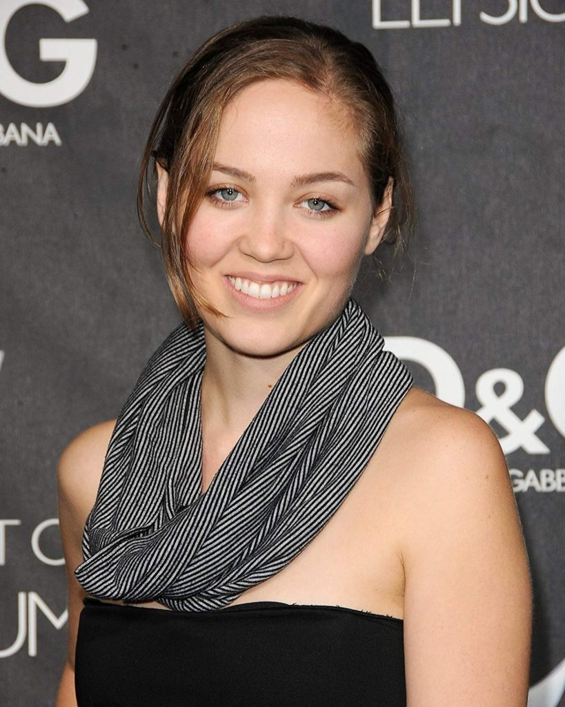 Erika Christensen Pics, Net Worth, TV Shows, Movies, Family And Biography 6