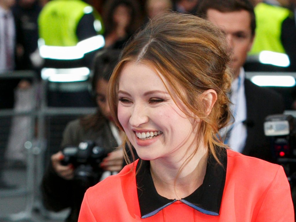 Emily Browning Net Worth, Pics, TV Shows, Movies And Biography 5