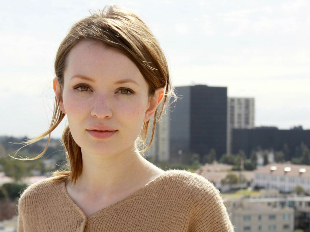 Emily Browning Net Worth, Pics, TV Shows, Movies And Biography 9