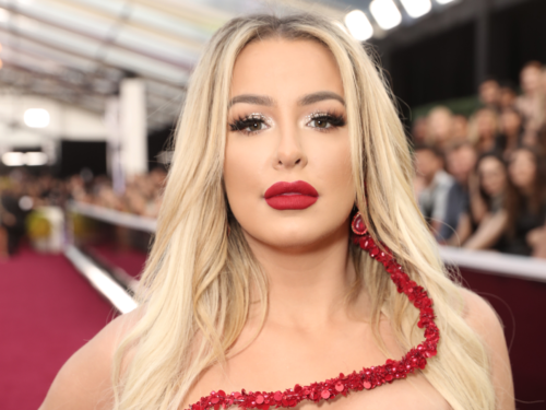 Top Facts about Tana Mongeau (Boyfriends, Sugar Daddy, Family)